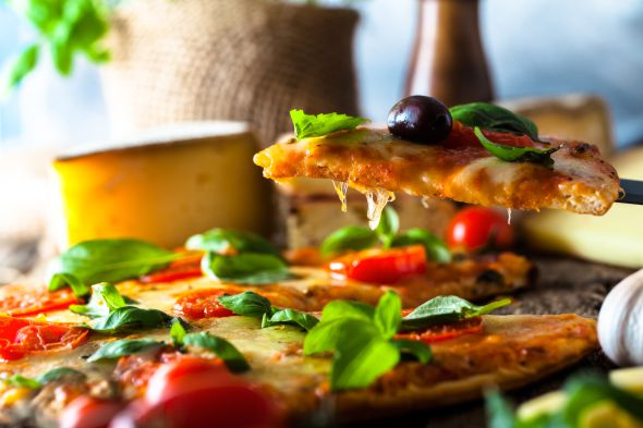 Čerstvá pizza, kebab a hranolky z kvalitních surovin. Rozvoz od naších poboček do 5 km máme zdarma | Pizza NuPoo
